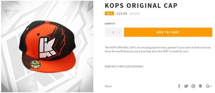 Een petje met het logo van Kops erop.